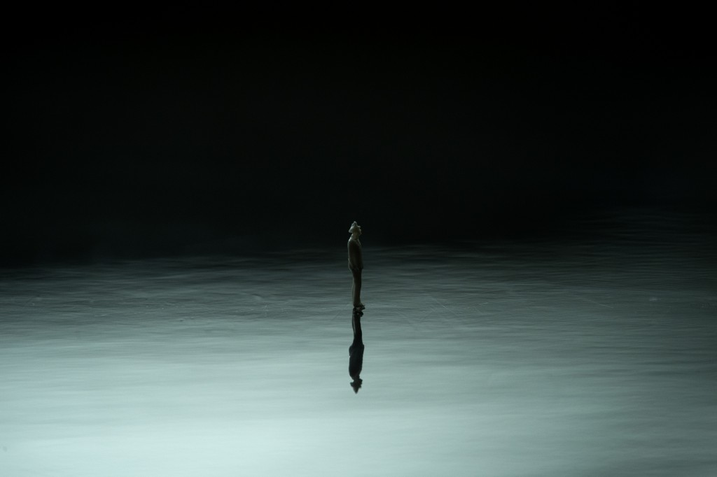 Lone(2012), 40.5 x 61 cm, C-Print, Edition of 8